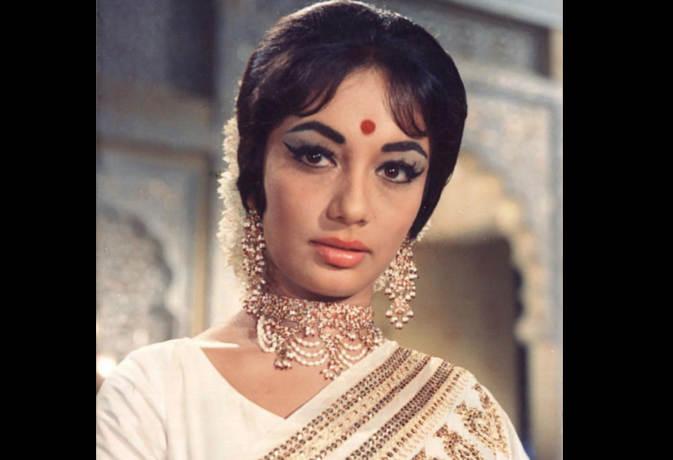 तो इसलिए एक्ट्रेस साधना बाल रखती थीं माथे पर, 1 रुपये में की थी पहली फिल्म यहां पढ़ें उनकी 10 अनसुनी बातें