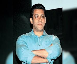 #MeToo सलमान पर भी आरोप, अमिताभ के बयान पर रिएक्शन, आमिर का फैसला
