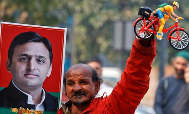 यूपी में कहीं इसलिए तो नहीं हारी एसपी-कांग्रेस,अखिलेश का तंज - जनता शायद बुलेट ट्रेन चाहती है