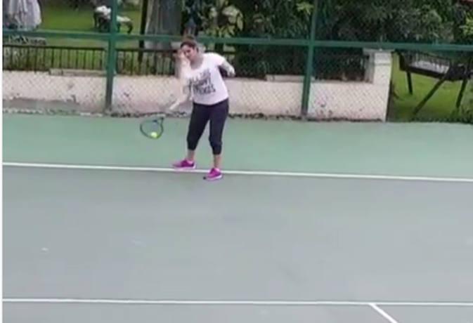 प्रेग्नेंसी के 7वें महीने में टेनिस खेल रही हैं सनिया मिर्जा, शेयर किया वीडियो