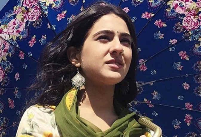 सारा अली खान सोशल मीडिया पर इस वजह से चलाती हैं ये फेक अकाउंट,उसमें करती हैं ये काम