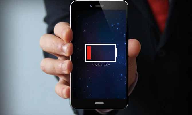 स्मार्टफोन की बैटरी पीने वाली ये 5 गलतियां आप भी तो नहीं करते!