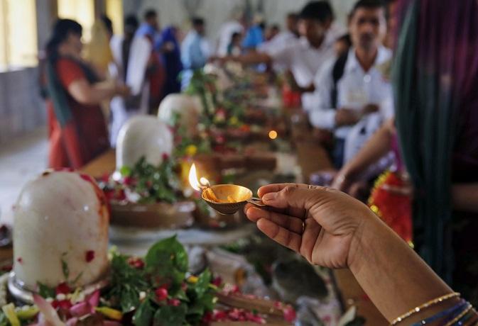 भगवान शिव को अर्पित करें ये 10 चीजें,पूरी होंगी आपकी सभी मनोकामनाएं
