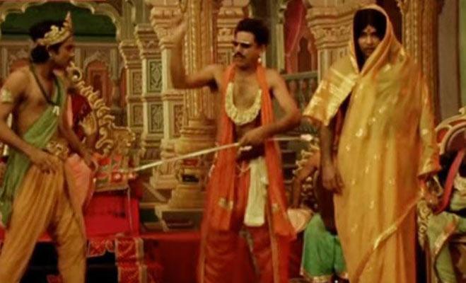ये हैं कुंदन शाह निर्देशित फिल्म जाने भी दो यारों के पांच सीन