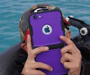 बच्चों के हाथ में देना पड़े अपना स्मार्टफोन, तो पहले कर लें ये काम, वर्ना हो जाएंगे परेशान