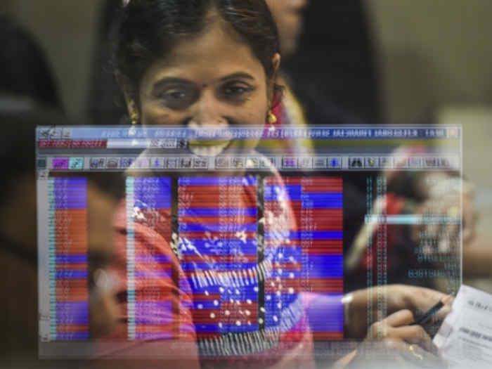 सेंसेक्स रिकाॅर्ड ऊंचाई छूकर लौटा,शेयर बाजार में लगातार पांचवें दिन बढ़त
