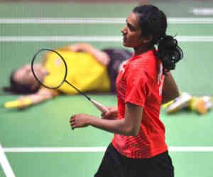 एशियन गेम्स बैडमिंटन फाइनल में पहुंचने वाली पहली भारतीय बनीं पीवी सिंधू, लेंगी सायना की हार का बदला