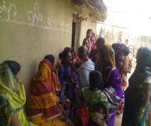 कश्मीर में शहीद हुए BSF जवान सीताराम के परिजनों का रो-रोकर बुरा हाल, आज झारखंड में होगा अंतिम संस्कार