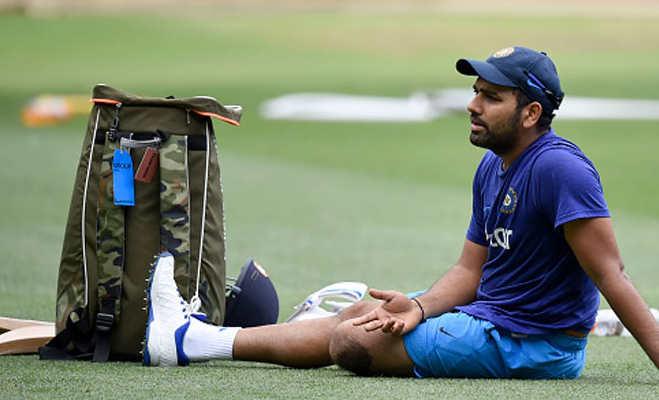 श्रीलंका में फेसबुक,व्हॉट्सएप चलाने को तरस रहे भारतीय खिलाड़ी,जानिए क्या है वजह