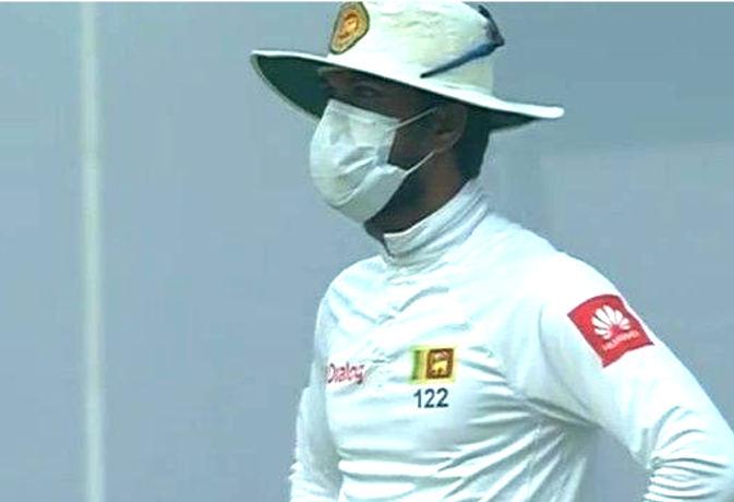क्रिकेटरों की अजब-गजब हरकत के 3 मामले : कोई मैदान पर मॉस्क लगाकर आया, तो कोई मुंह पर टेप