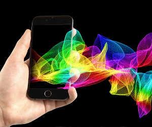 आपके फेवरेट स्मार्टफोन का डिस्प्ले Amoled है या LCD, जानिए कौन है सबसे बेहतर?