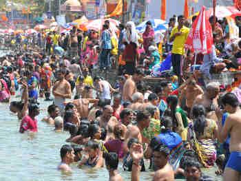 Paush Purnima 2020: माघ स्नान से करें भगवान विष्णु को प्रसन्न, यह करने से मिलेगा विशेष लाभ