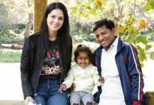 सनी लियोनी ने लिखा इमोशनल पोस्ट, दुनियाभर के फैंस से मांगी ये मदद