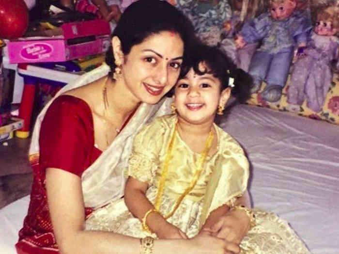 sridevi birth anniversary: बेटी जान्हवी हुई इमोशनल कहा मां आई लव यू