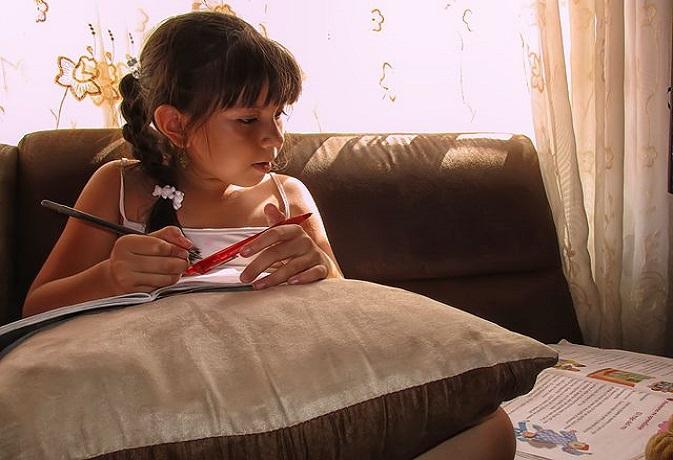 वास्तु टिप्स: अगर ऐसा होगा बच्चों का कमरा तो पढ़ाई-करियर में मिलेगी तरक्की