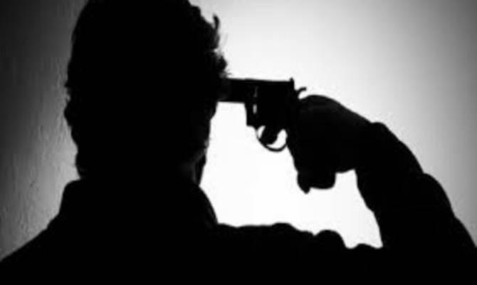 प्रेमिका की ब्लैक मेलिंग से तंग आकर लखनऊ के कॉन्ट्रैक्टर ने खुद को गोली से उड़ाया