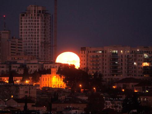 Super Blue Blood Moon पर दिखा अनोखा ग्रहण, ये हैं सबसे खूबसूरत तस्वीरें...