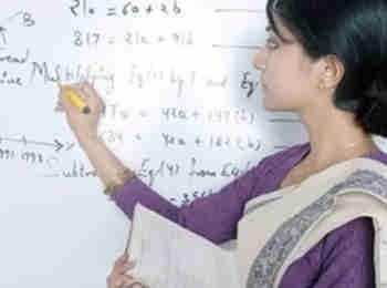 69,000 यूपी सहायक बेसिक शिक्षकों की नियुक्ति पर फिर लगी हाई कोर्ट से रोक,  12 जुलाई को होगी सुनवाई