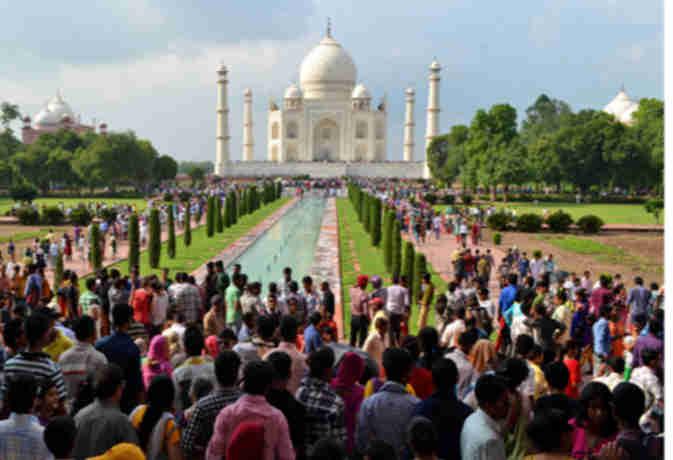 1 अप्रैल से ताजमहल निहारने पर लगेगी पाबंदी, सीमित समय में ही कर सकेंगे ताज का दीदार