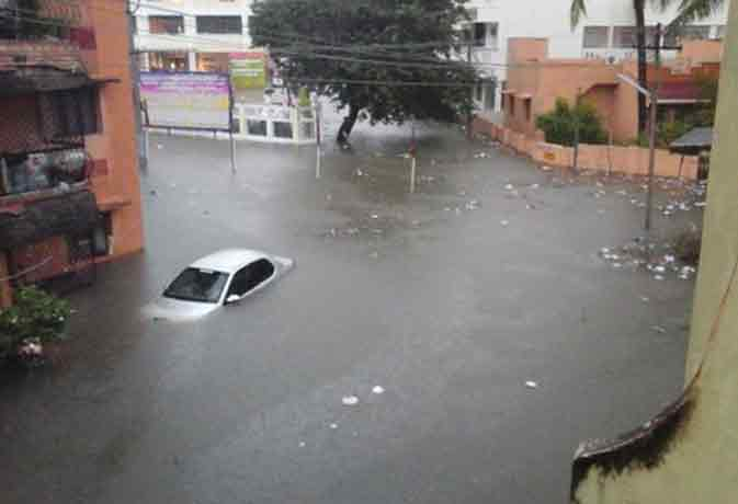 भारी बारिश से तमिलनाडू में डूबे कई इलाके, 48 लोगों की मौत