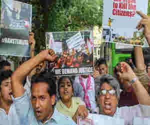 तमिलनाडु में पुलिस फायरिंग में 11 लोगों की मौत से  बढ़ा तनाव,  डीएमके ने  किया 25 मई को राज्य में बंद का एेलान