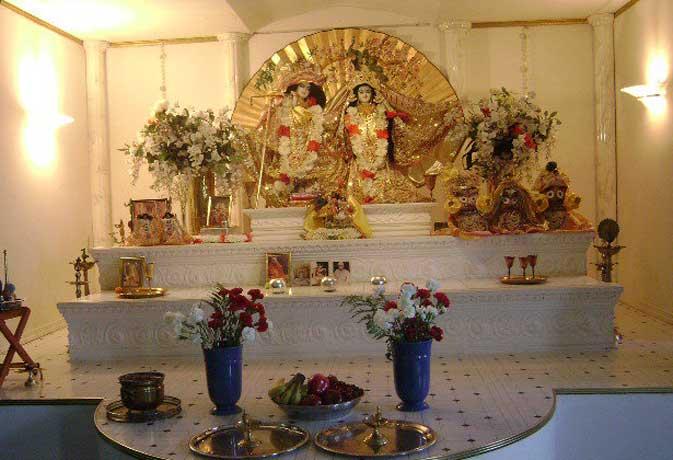 वास्तु: घर या दुकान में क्यों होना चाहिए पूजा घर? शांति-उन्नति के लिए 12 आसान उपाय