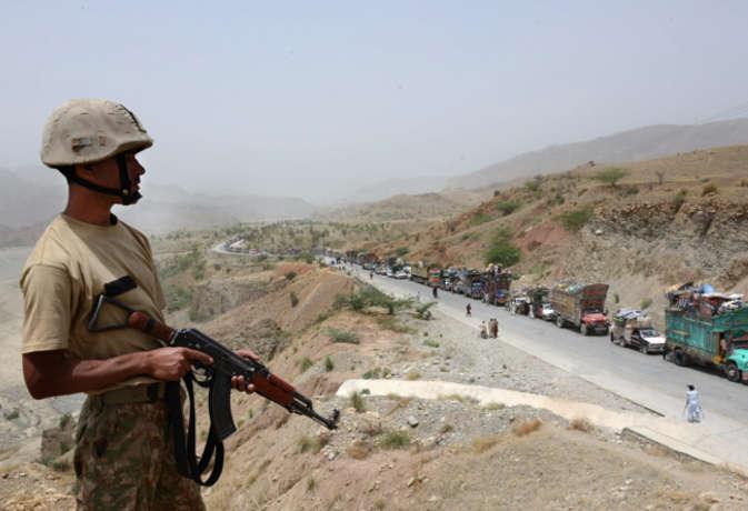 पाकिस्तान में आईएस का हमला, तीन सैनिकों की मौत