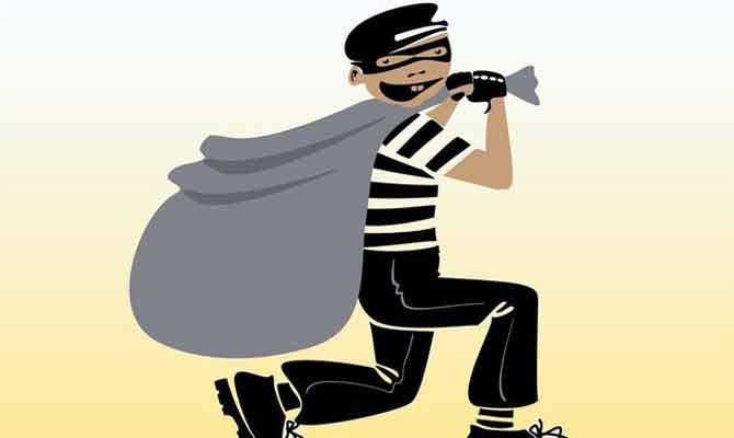 यूपी: फैमिली बैंकॉक में करती रही मस्ती! चोरों ने प्रॉपटी डीलर का घर कर दिया साफ