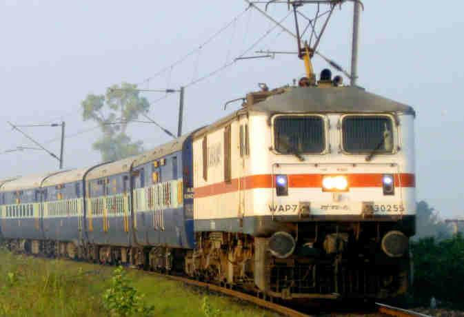 फेस्टिव सीजन में नियमों में हुए बदलाव, स्पेशल ट्रेनों में भी मिलेगा 120 दिन पहले रिजर्वेशन