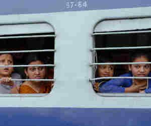 ट्रेन में मुसाफिरों की जेब काटने की तैयारी, डाॅक्टर बुलाने पर देनी होगी 100 रुपये फीस