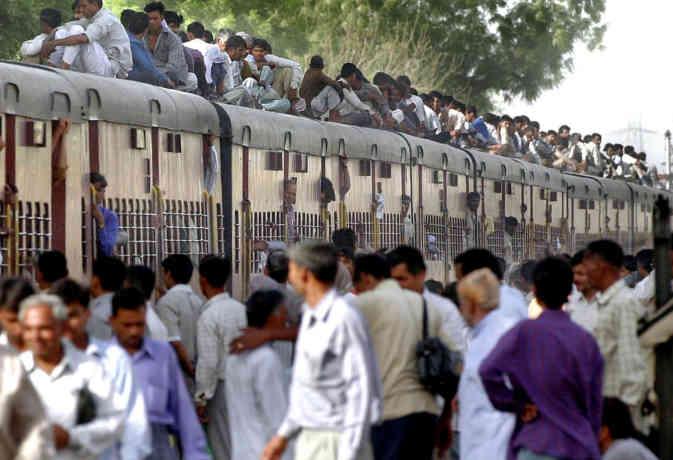 ट्रेन में धक्का खाने की मजबूरी खत्म