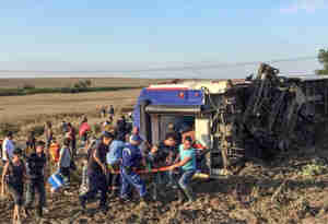 तुर्की में ट्रेन हादसा, 24 की मौत और 100 लोग घायल