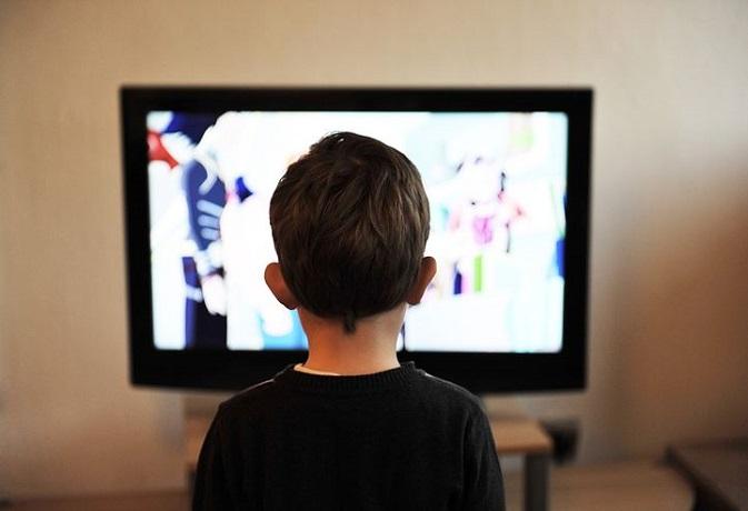 वास्तु: जानें क्या है टीवी लगाने के लिए उचित दिशा,वर्ना बढ़ेगी चिंता और तनाव