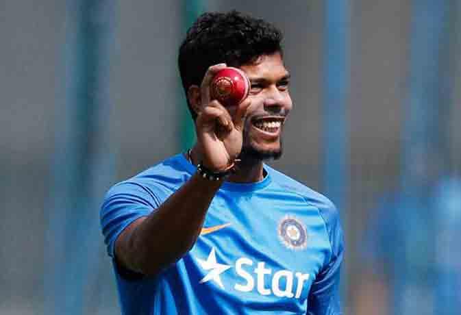 तूफानी गेंदबाजी से बल्लेबाजों में खौफ भर देता है ये भारतीय गेंदबाज