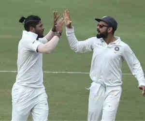 जडेजा से गेंद छीनकर कोहली ने पूरे करवाए यादव के 10 विकेट, बीच मैदान हुआ था ऐसा