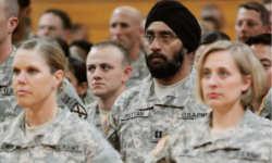 ट्रंप ने सेना में ट्रांसजेंडरों की नियुक्ति पर लगाया प्रतिबंध, पहले से कार्यरत की सेवा रहेगी बहाल