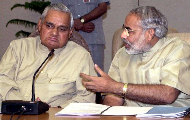 प्रधानमंत्री पद पर रहते हुए अटल बिहारी वाजपेयी की दस सुनहरी तस्वीर