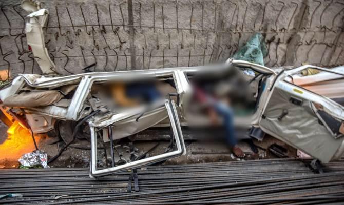 वाराणसी: फ्लाईओवर का कई टन वजनी बीम 60 फीट ऊँचाई से गिरा चलती सड़क पर,हादसे में 16 की मौत