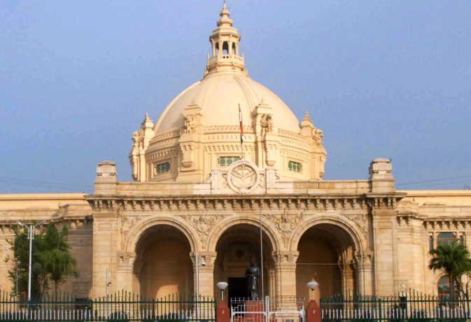 रिवरफ्रंट घोटाला: अब विधान परिषद में रखी जाएगी न्यायिक जांच की रिपोर्ट