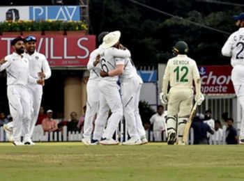 India vs South Africa 3rd test Day 2: खराब माैसम की वजह से रुका खेल,  भारत के 497/9 के जवाब में दक्षिण अफ्रीका ने 2 विकेट पर बनाए 9 रन