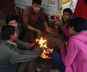 मौसम : बर्फबारी से उत्तर भारत में बढ़ी ठंड, आज इन राज्यों में चलेगी शीत लहर