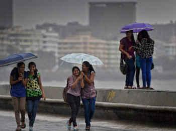 Weather Alert:  पंजाब, हरियाणा और दिल्ली में छाए रहेंगे बादल, महाराष्ट्र-एमपी में भी बारिश के आसार