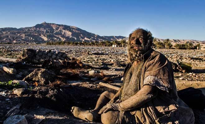 दुनिया में यह 10 इंसान भी रहते हैं,किसी का सिर आधा तो कोई 60 साल से नहाया ही नहीं
