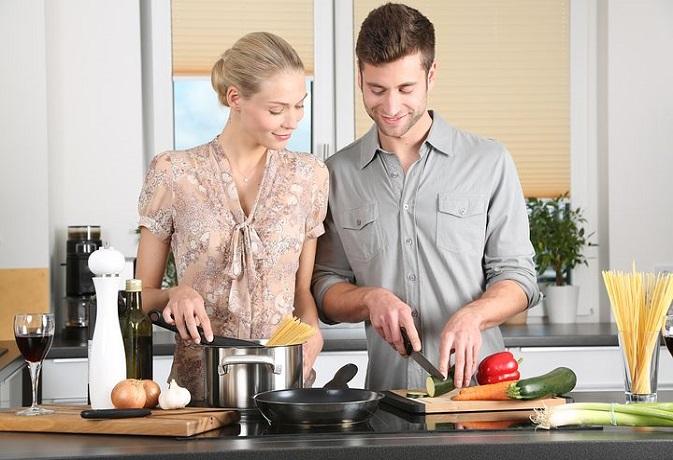 वास्तु टिप्स: रसोईघर के लिए करें ये 8 आसान उपाय, परिवार रहेगा स्वस्थ