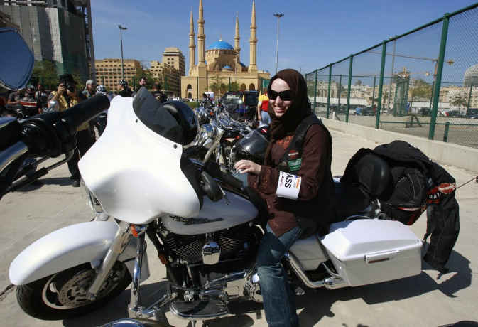 सऊदी अरब में महिलाओं से एक बैन और खत्म, अब बाइक और ट्रक भी चला सकेंगी