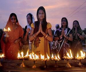 ऐसे में भगवान की मूर्ति छूना होता है महापाप, पूजा के समय इन बातों का रखें ध्यान