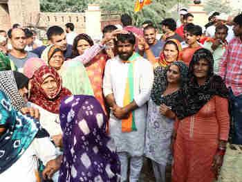 Haryana Baroda election result 2019 LIVE Update: ओलंपिक में पहलवानों को धूल चटाने वाले योगेश्वर दत्त चुनावी मैदान में हुए चित