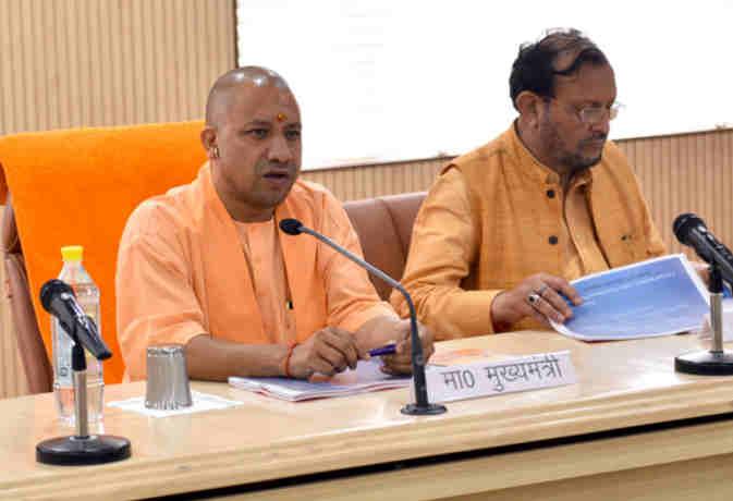 कुछ एेसा है यूपी में योगी राज, 15 महीने में 2000 मुठभेड़ आैर 59 हुए ढेर