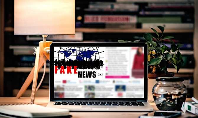 फेसबुक के बाद YouTube भी कूदा फेक न्यूज वॉर में, 25 मिलियन डॉलर से ऐसे कसेगा शिकंजा!