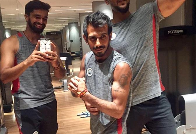 इंडियन क्रिकेट के नए सितारे युजवेन्द्र चहल के निजी जीवन की 10 तस्वीरें